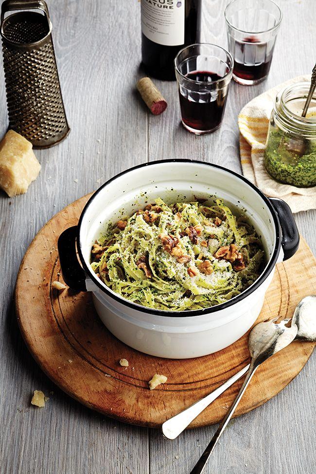 Pour enrober les pâtes, un pesto nouveau genre, au chou frisé (kale) et aux edamames.