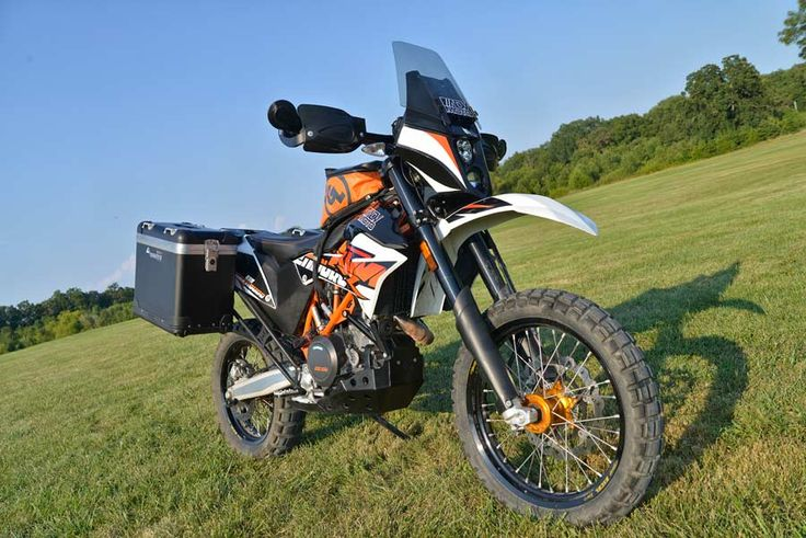 ADVMoto set out to make a great bike even better by modifying their KTM 690 Enduro R.