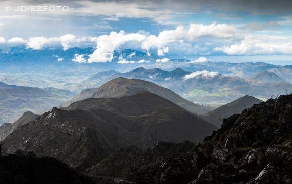 Cielo Cubierto En El Mirador De La Reina Picosdeeuropa Asturias Paisaje Lagoscovadonga Miradores Picos De Europa Lagos De Covadonga