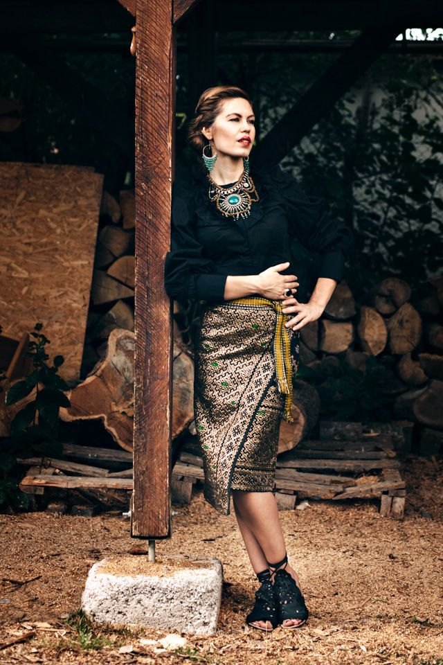 TRADITIONAL ROMANIAN COSTUME | BOHEMIAN GARB | TRADITIONAL | Fashion editorial | Fashion photography