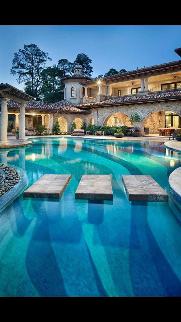 Cool pool house pinterest house for Large swimming pool designs
