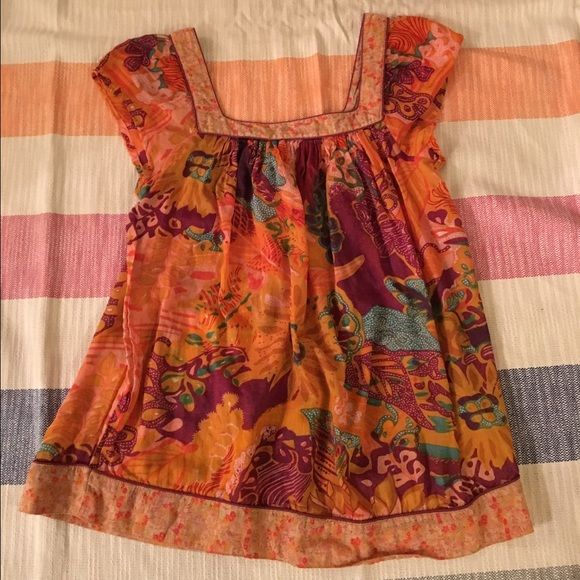 """American Rag blouse M American Rag blouse size M. Photo1 is front and photo 2 is back. 24"""" from shoulder to bottom hem. Great condition. American Rag Tops Blouses"""