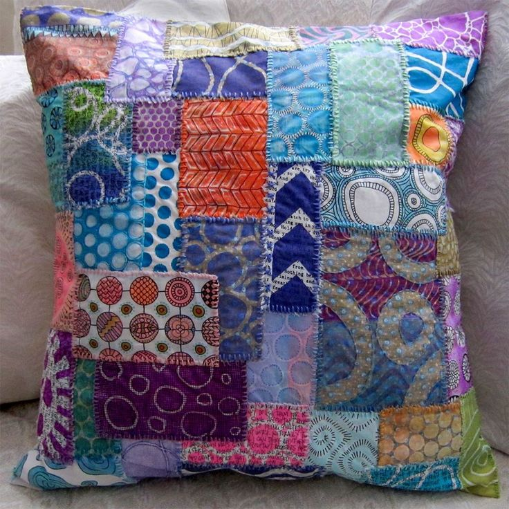 Check out the gorgeous patched pillow made by Joan Bess!! The patches are Gelli prints with some doodling! The pillow project is featured in Zen Doodle Workshop's Fall Issue - where you will find the step by step instructions!