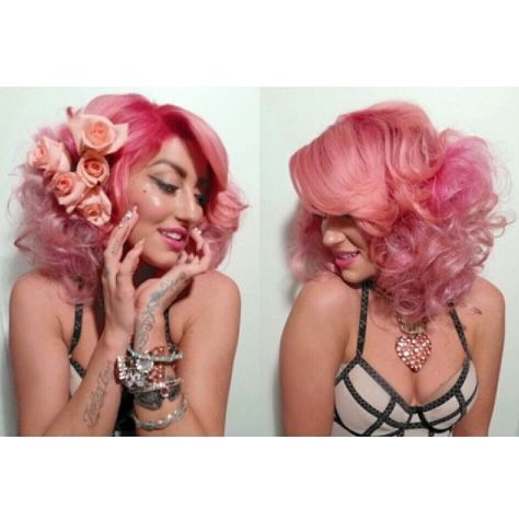 Daved Scissorhands did Neon Hitch's hair with MANIC PANIC® Cotton Candy Pink hair dye. Gorge!