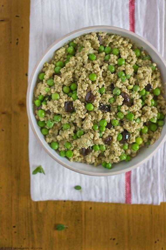 giroVegando in cucina: Cuscus con piselli, olive e pesto di menta  Cous cous with peas, olives and mint pesto
