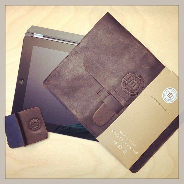 Hunter dark leather envelope for iPad by @Daniel O'Brien Cavalli on Instagram.