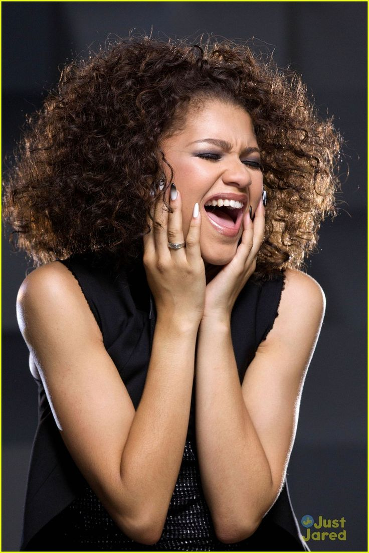 zendaya replay video pics | Zendaya: 'Replay' Video