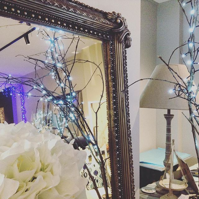 #tayloredrevival  #home #style #bespoke #christmas #howick #midnightmadness #anniesloan #fairylights