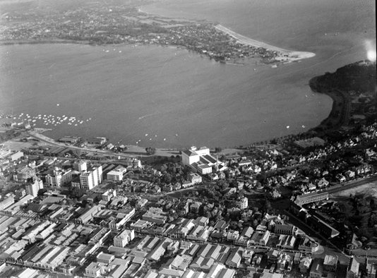 Emu Brewery and Perth city, aerial view, 1938
