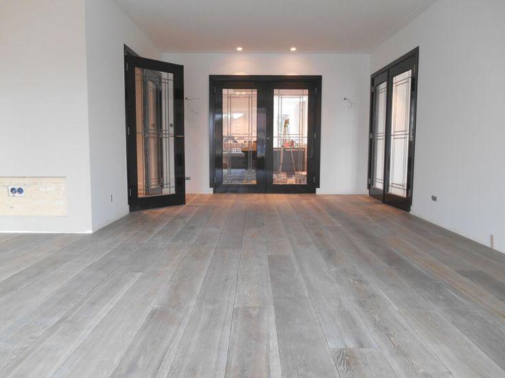 Meer dan 1000 idee n over grijze houten vloeren op pinterest grijs hout vloeren en eiken vloeren - Betegeld wit parket effect ...