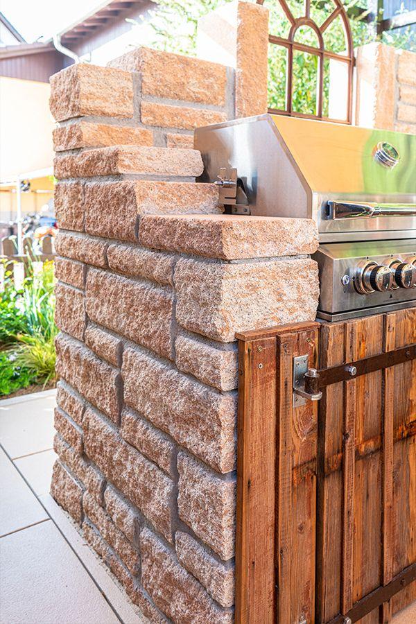 Toskana Mauer Fur Die Outdoorkuche Im Toskana Stil In 2020 Einfahrt Gestalten Garten Toskana