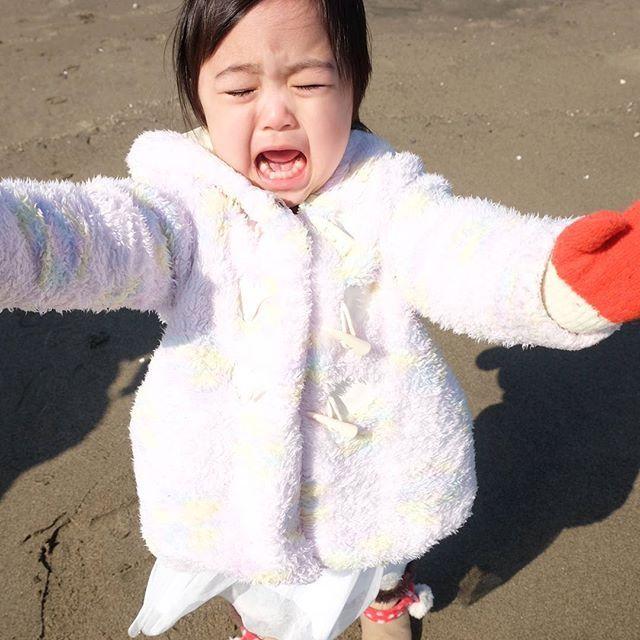 【kiipoochan】さんのInstagramをピンしています。 《あぁー、いややー 海いややー * #海 #イヤイヤ期 #写真撮ってる人と繋がりたい #ファインダー越しの私の世界 #ママカメラ #mamanoko #ママリ #ベビフル #コドモノ #ig_kids #kids_japan #kids_of_our_world #kawaii #kawaiigirl #babygirl  #smile #pretty #cute #love #family #娘 #女の子 #女の子ママ #赤ちゃん #子供 #1才9ヶ月 #21ヶ月 #親バカ部 #ig_oyabakabu #kiipoochan》