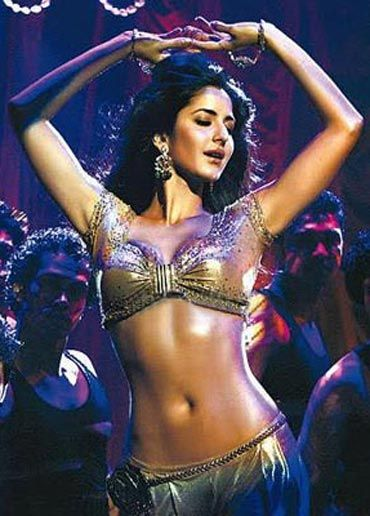Google Image Result for http://www.bollygraph.com/wp-content/uploads/2010/12/Katrina-belly-dancer.jpg