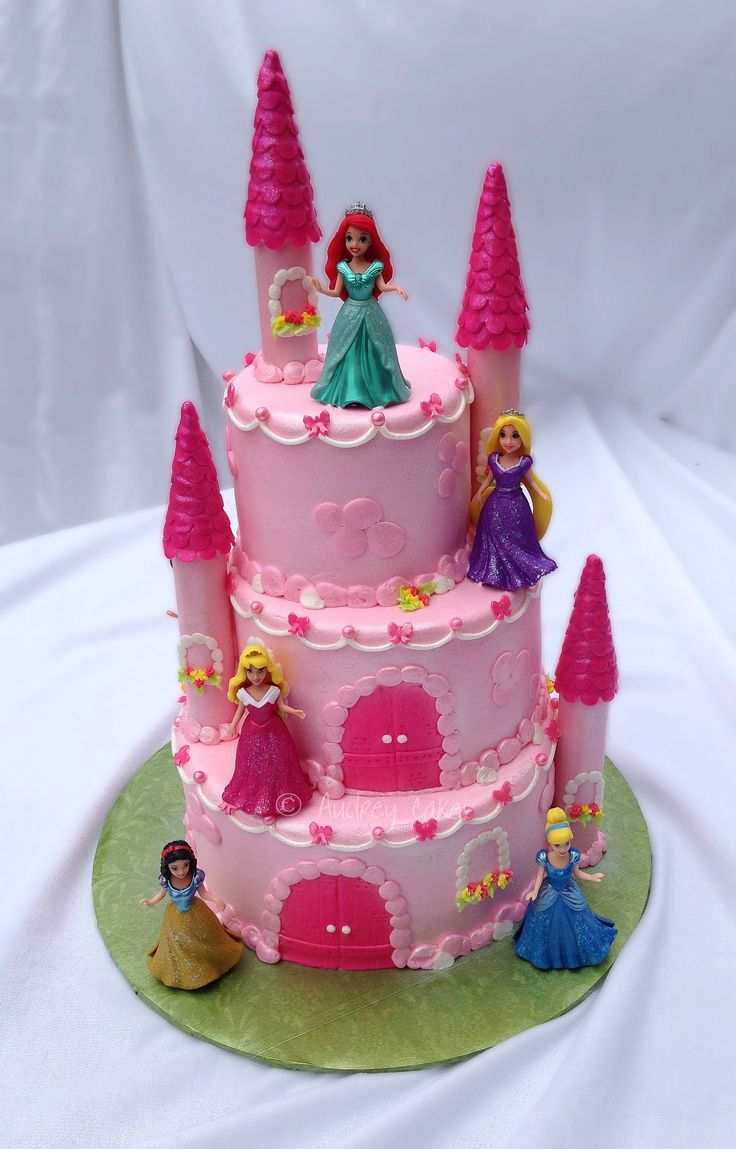 https://flic.kr/p/hKa9pL | Disney Princess Castle Cake | This castle cake is fit for any birthday princess, not just the Disney Princesses you see here (some are on the back too)!