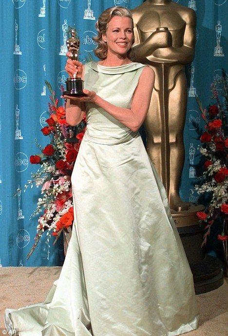 Kim Basinger   Escada   Oscars 1998
