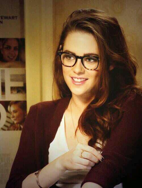 Kristen Stewart   oh my goodness, she's so cute with glasses.
