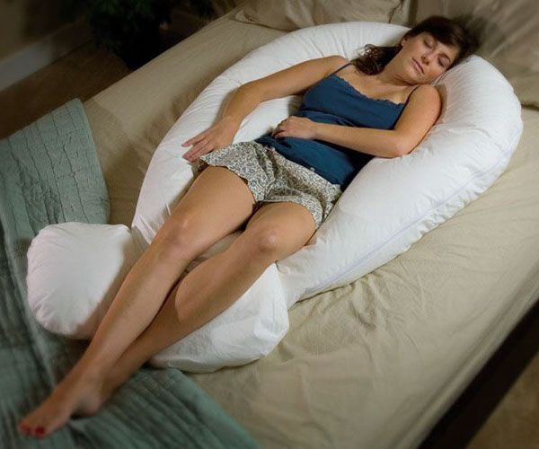 Cradle yourself in complete comfort from head to toe. The #Comfort-U Body #Pillow was designed by Jean Kelly, RN when she was diagnosed with firbromylagia – an ailment that causes chronic joint and muscle pain.