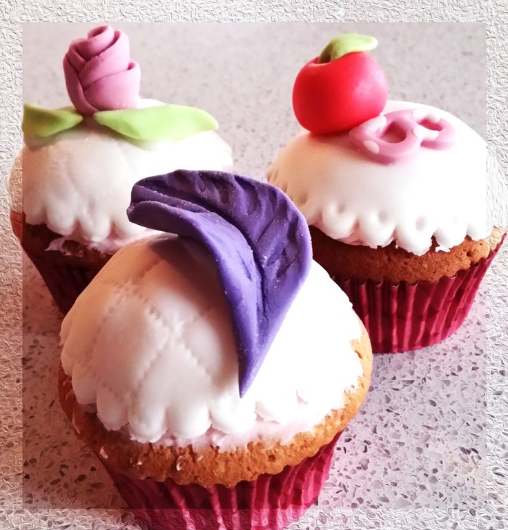 Ever After High Cupcake - Apple White, Raven Queen, Briar