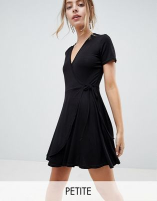 5d7d237bb310 Boohoo Petite wrap tea dress | I Have Nothing to Wear | Petite ...