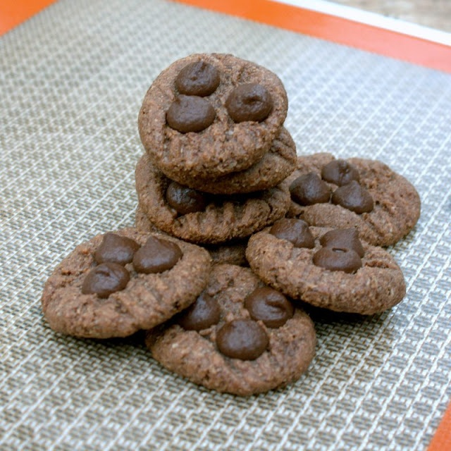 Manila Spoon: Almond, Coconut and Choco Chip Cookies (Gluten and Egg Free)