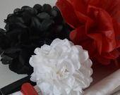 Lot 12 pompons papier soie rouge noir blanc - mariage - anniversaire : Accessoires de maison par la-fabrique-a-reves