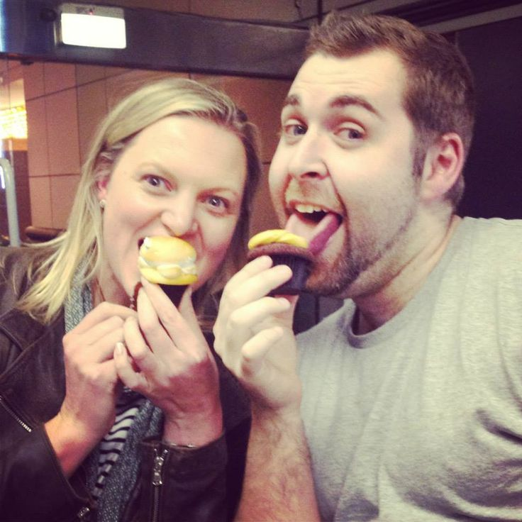 Mat and Shona love to have a bit of fun and a few cupcakes ;)  Eagle Waves Radio Thursday 15 August 2013 - live from VIVO Cafe!   www.eaglewavesradio.com.au