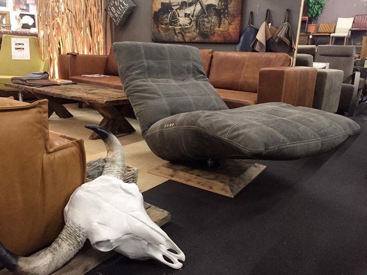 Stoere Urban relax fauteuil en relax chair Niek van Nederlands fabrikaat in stoer leer. Leverbaar als vast model of met motoren en accu. Nieuw in de winkel.