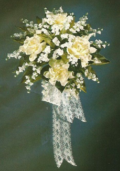 Gardenia Bridal Bouquet; See tons of photo ideas for wedding flowers, including bouquets, corsages, hairstyles, centerpieces, church decor and reception.  Easy step-by-step flower tutorials.