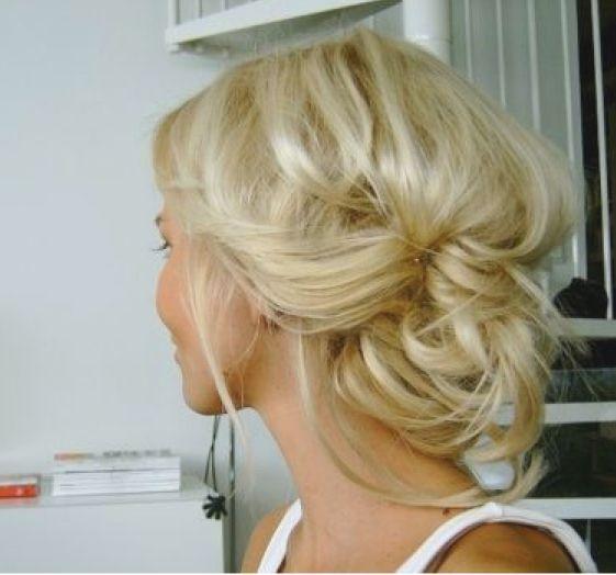 soft: Hair Ideas, Up Dos, Wedding Hair, Bridesmaid Hair, Messy Hair, Messy Buns, Hair Style, Hair Color, Updo