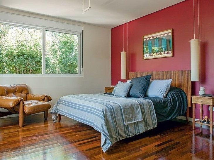 A decoração com quartos vermelhos é perfeita para quem gosta de ambientes mais ousados e vibrantes, pois a cor oferece um visual com efeito incrível.