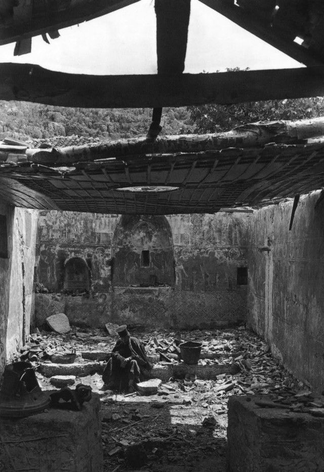 War 1913...Castri Preveza,Greece ...a priest is sitting on the ruins of his church. Καστρί Πρεβέζης, Ιερέας στην κατεστραμμένη από τον πόλεμο εκκλησιά, 1913