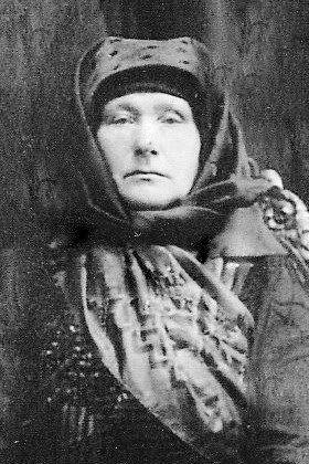 Idős asszony öltözete 1920-körül