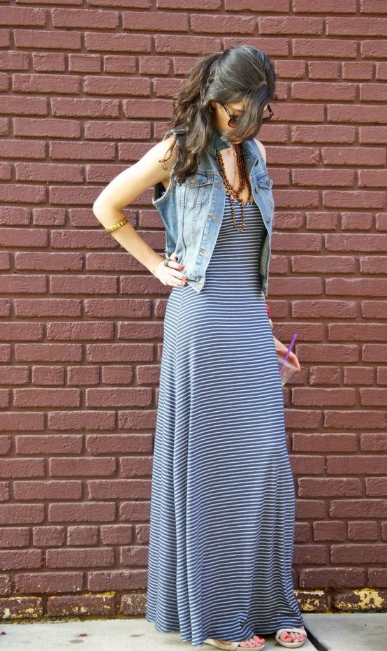 colete jeans com vestido longo...