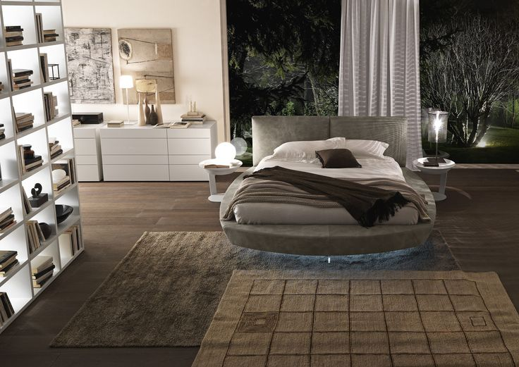 """Zero size small bed with Bold h. 960 headboard in creta coloured """"aged"""" leather with matt bianco candido lacquered Point coffee tables. Wing 8-drawer dresser in matt bianco candido lacquer.__ Letto Zero size small con testiera Bold h. 960 in pelle """"vissuta"""" creta con tavolini Point laccato opaco bianco candido. Comò """"Wing"""" 8 cassetti laccato opaco bianco candido."""
