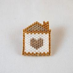 Broche maison et coeur tissée en perles miuyki ▲ doré argenté blanc