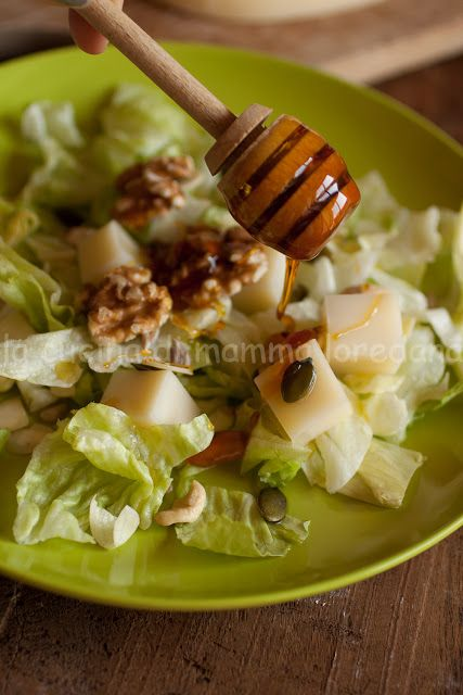 la cucina di mamma: Insalata con caciocavallo di Agnone, frutta secca e miele di castagno dal Molise per L'Italia nel Piatto
