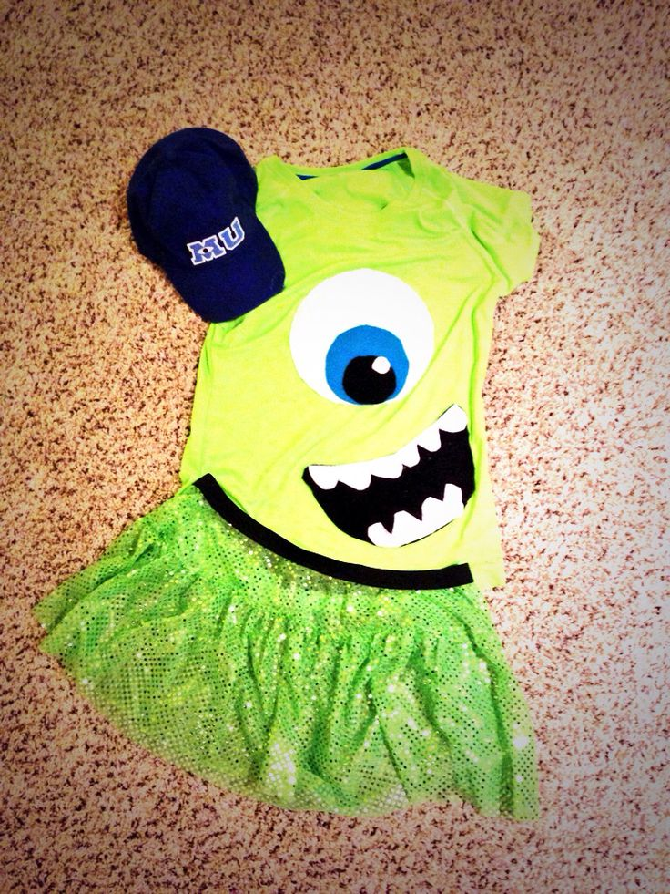 My Mike Wazowski costume for the Wine and Dine half! Skirt is from #sparkleathletic #rundisney. An easy costume for any Run Disney race! Who doesn't love Monsters Inc.!
