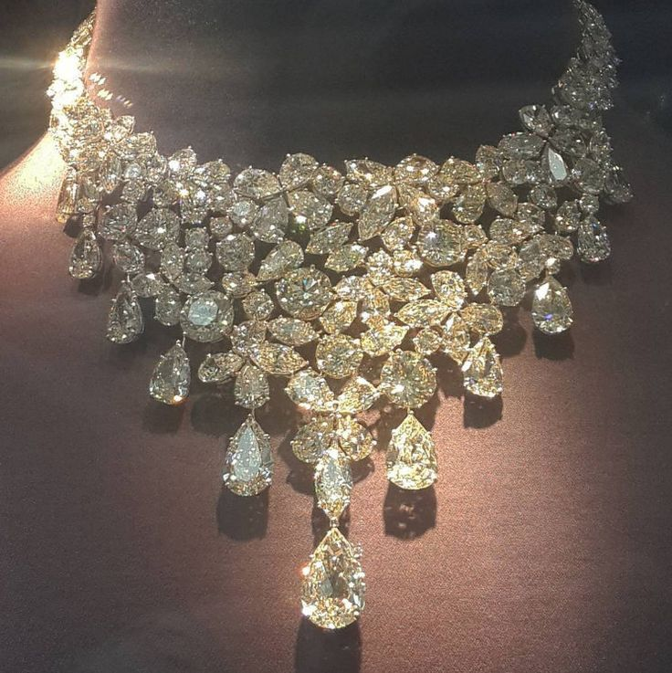 Art of Boghossian @boghossianjewels and it's divine necklace from Geneve