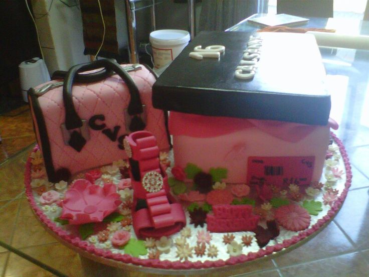 Hand bag and shoe 16th birthday cake