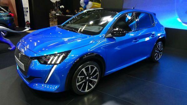 Peugeot 208 2020 Blue Peugeot Yaris Toyota