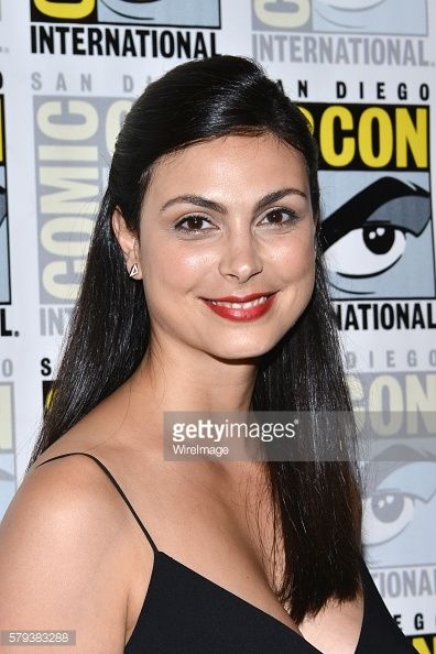 News Photo : Morena Baccarin attends the Gotham press line at...