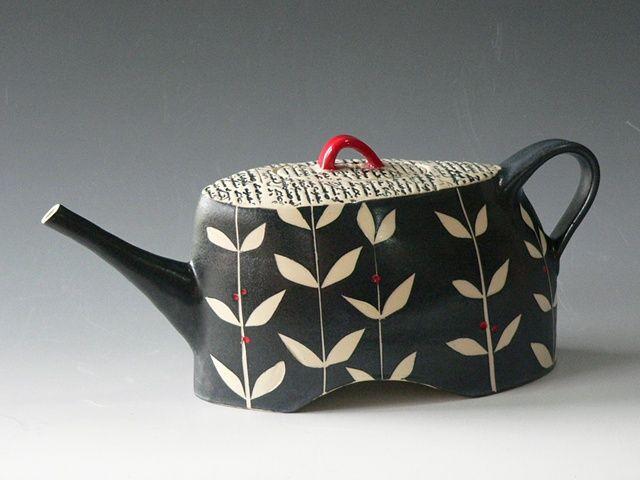 Rita Vali, Vine Teapot white stoneware