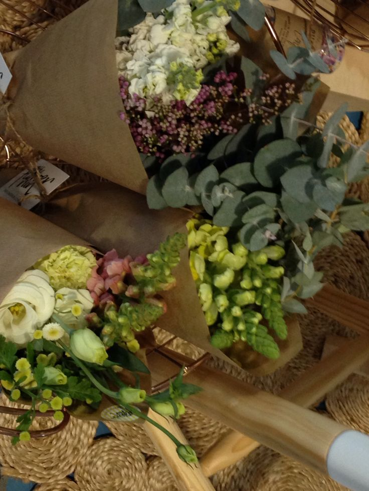 Loving the eucalyptus foliage! For bouquets and the hanging foliage features!