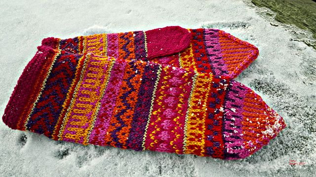 Ravelry: Project Gallery for Norrbottensvante pattern by Solveig Larsson