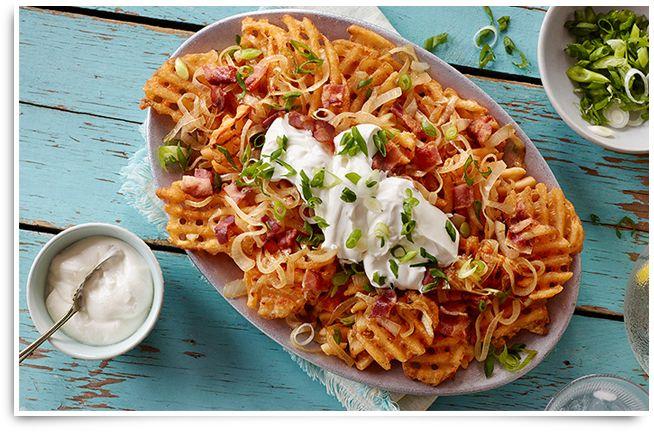Calmez votre fringale avec notre recette de Nachos de pommes de terre. Visitez le site McCain.ca pour d'autres découvertes #McCainFoods