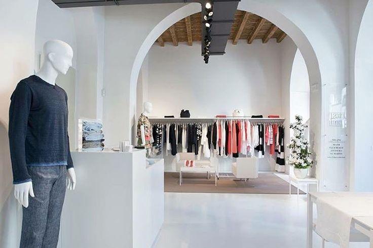 120% new opening store in via Pontaccio,19 Milan.  #120percento #120lino #newcollection #newopening #newopen #new #store #negozio #milano #milan #brera #breradistrict #breramilano #design #interior #interios #interiordesign #interiordecor #modern #furniture #art #designer #shopping #shoppingtime #fashion #fashionista #linen #style #instadaily