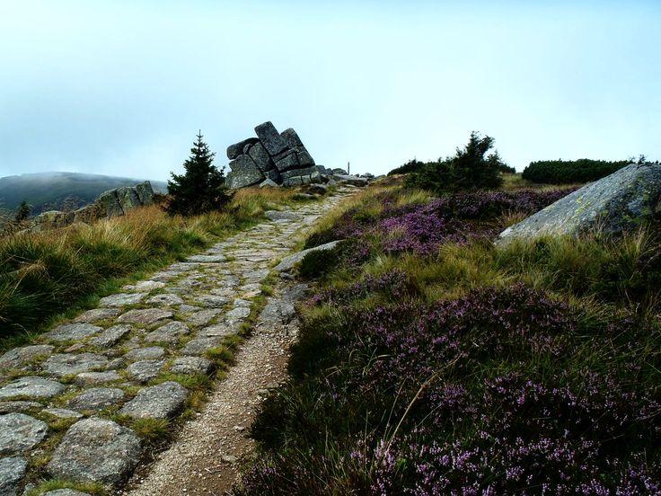 Mohylové kameny