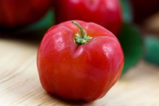 Some of the most unique health benefits of acerola include its ability to manage diabetes, reduce signs of aging, prevent certain types of cancer, improve heart health, increase circulation, reduce allergic reactions, stimulate the immune system, increase eye health, protect the skin, and improve mood.noddiemarie