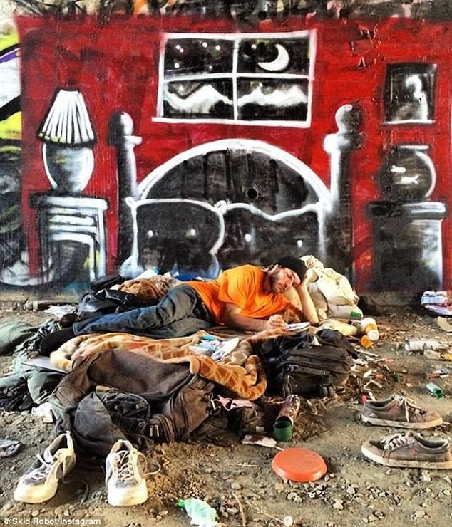 street art http://restreet.altervista.org/skid-robot-dipinge-i-sogni-dei-senza-tetto/