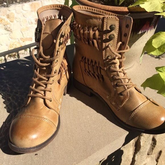 Rampage tan leather ankle boots size 7.5 NWOT 💘 NWOT tan leather lace up ankle boots perfect for fall. Basket weave design motif on the side of boots. Heel is 1 inch high. From bottom of heel to top of boot is 7.5 inches. Size 7.5 Rampage Shoes Ankle Boots & Booties